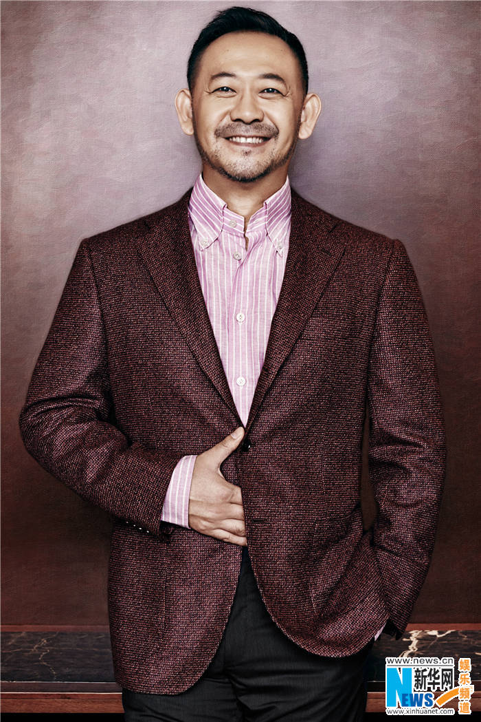 Actor Jiang Wu posa para revista