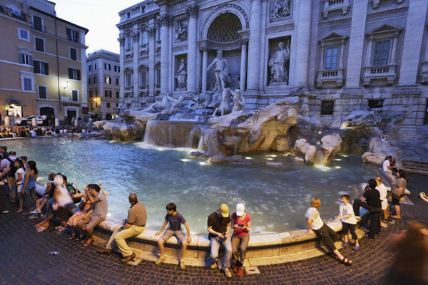 Cientos de ratas invaden la famosa fuente de trevi en roma - Bagno fontana di trevi ...