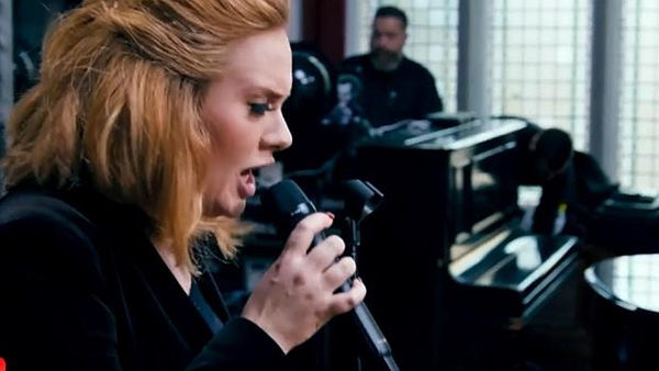 Adele reta al «streaming» y gana