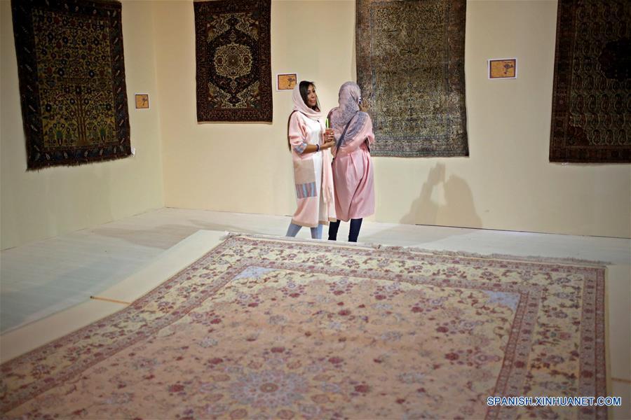 Feria internacional de alfombras tejidas a mano en teher n 2 - Alfombras tejidas a mano ...