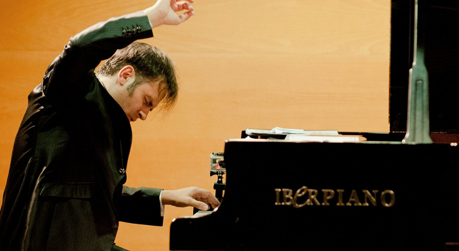 El pianista flamenco Manolo Carrasco culmina exitosa gira por ciudades chinas