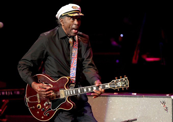 Muere Chuck Berry, pionero del rock and roll