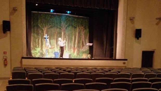 Actor se presentó ante un auditorio vacío