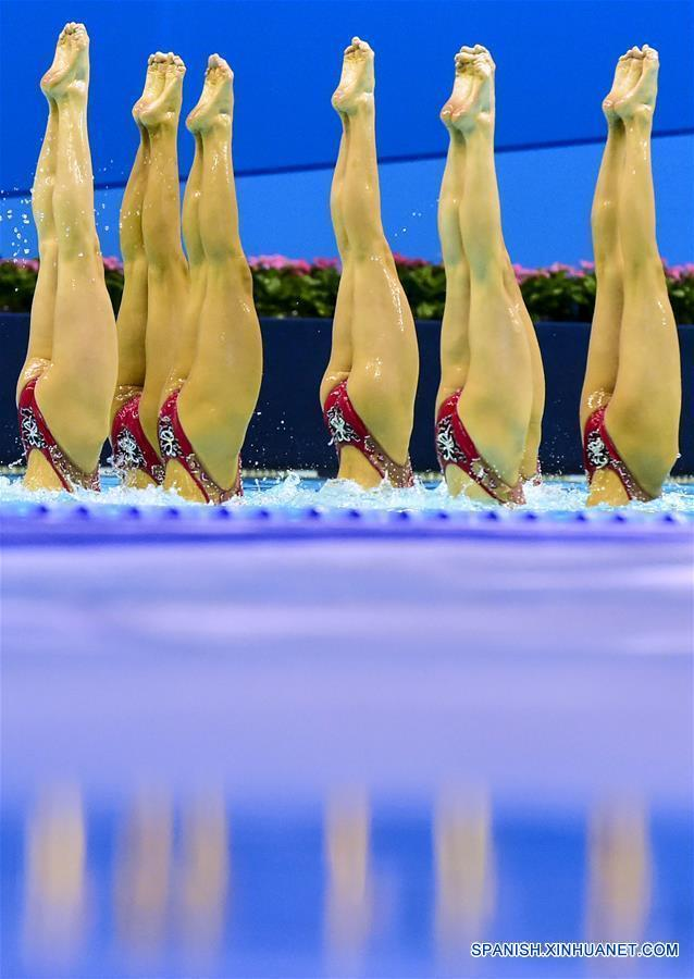 Competencia de natación sincronizada en China