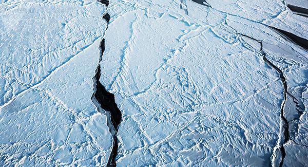 Misteriosos agujeros en el Ártico desconciertan a los científicos de la Nasa