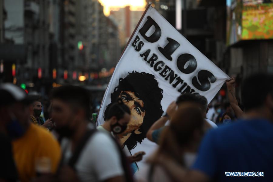Muere Diego Maradona de un infarto