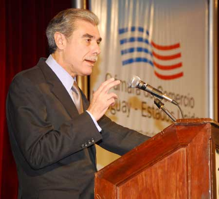 carlos guti rrez visita uruguay