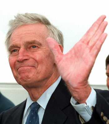 Legendario actor Charlton Heston murió a los 84 años