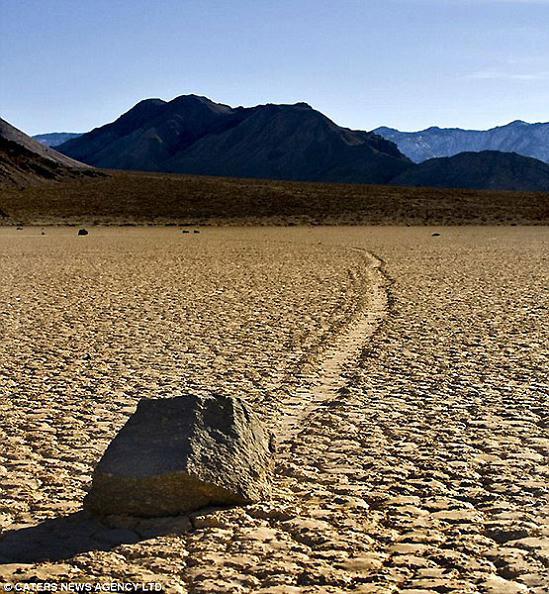 Enormes Rocas Del Valle De La Muerte De California De Eeuu Pueden