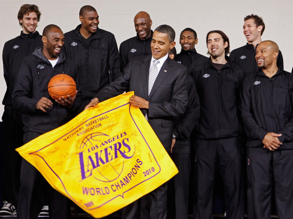 Obama recibe a los Lakers