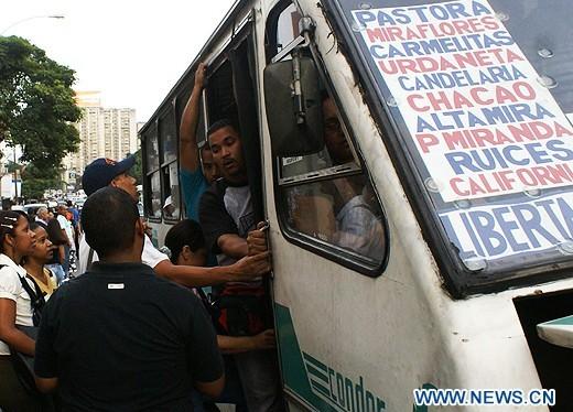 Contradicicones y vacilaciones de Hugo Chavez - Página 3 F201104081026513214611204