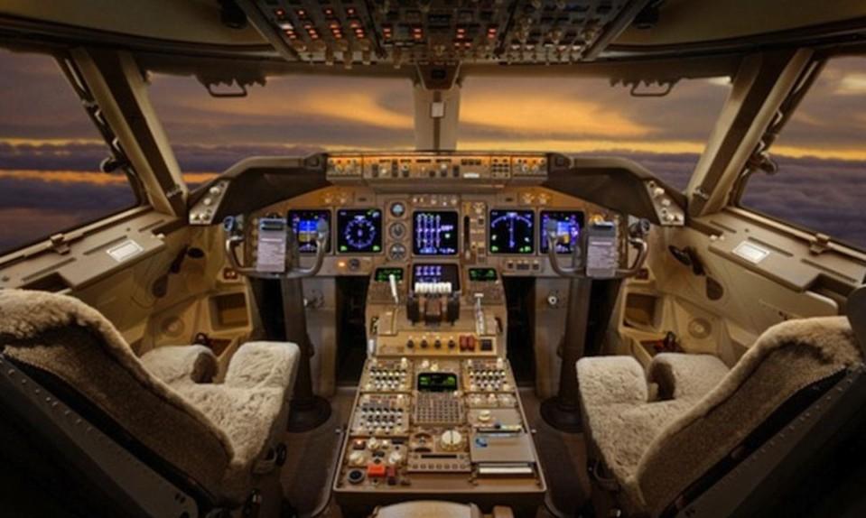 aviones privados de lujo 12. Black Bedroom Furniture Sets. Home Design Ideas