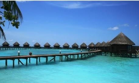 Dejan de ofrecer agua caliente en hoteles de maldivas para for Hoteles en el agua maldivas