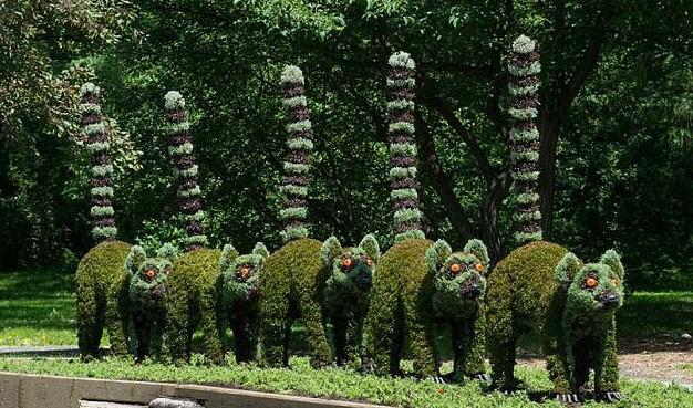 Esculturas vegetales incre bles en jard n bot nico de - Esculturas para jardines ...